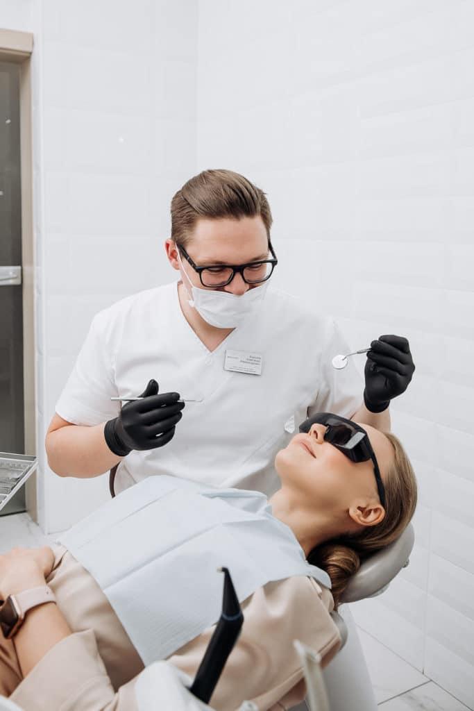 Сколько длится эффект после отбеливания зубов? 🧐