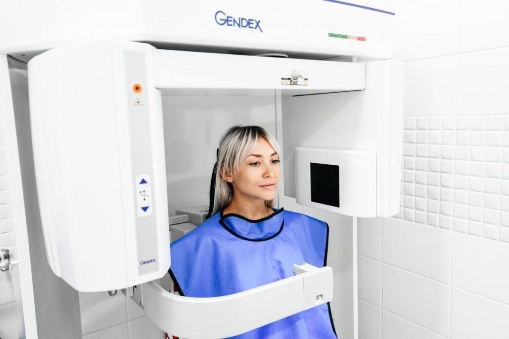 Чем отличается МРТ от КТ?